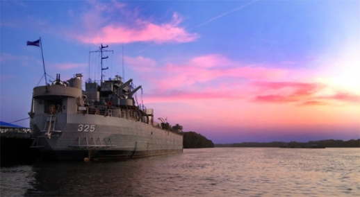 LST325Sunset560