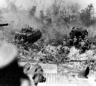 M113_Advance_in_Vietnam
